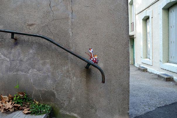 funny-vandalism-creative-street-art-19