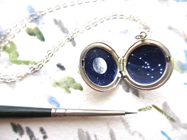 miniature-astronomy-oil-paintings-jewelry-khara-ledonne-2