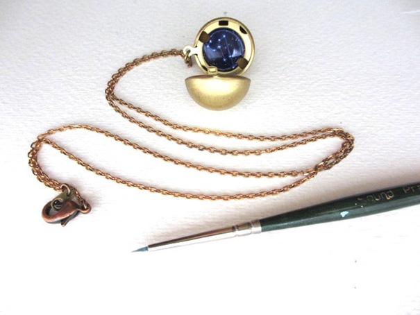 miniature-astronomy-oil-paintings-jewelry-khara-ledonne-5