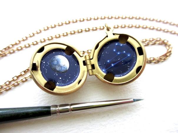 miniature-astronomy-oil-paintings-jewelry-khara-ledonne-6