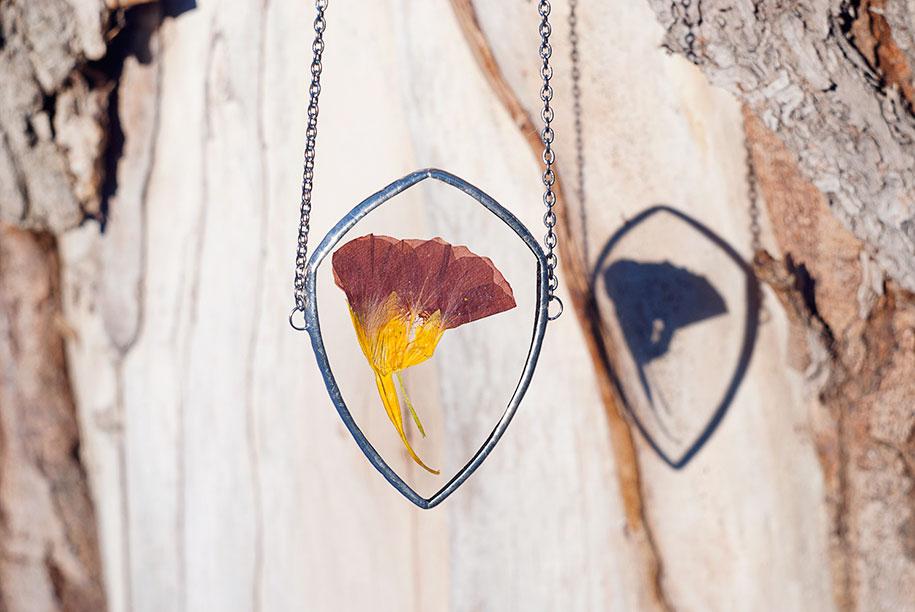 pressed-flower-jewelry-stanislava-korobkova-15-2