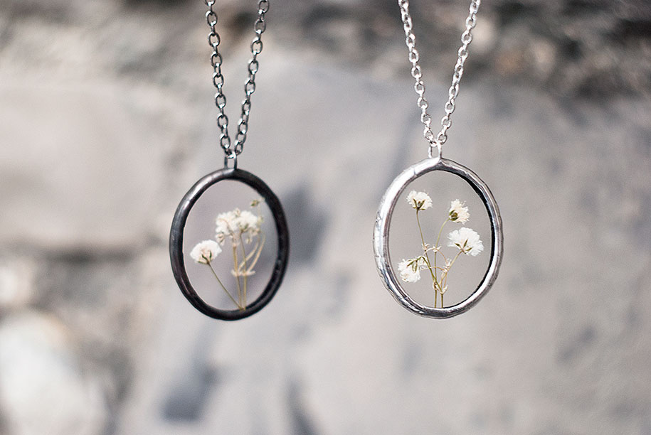 pressed-flower-jewelry-stanislava-korobkova-26-2