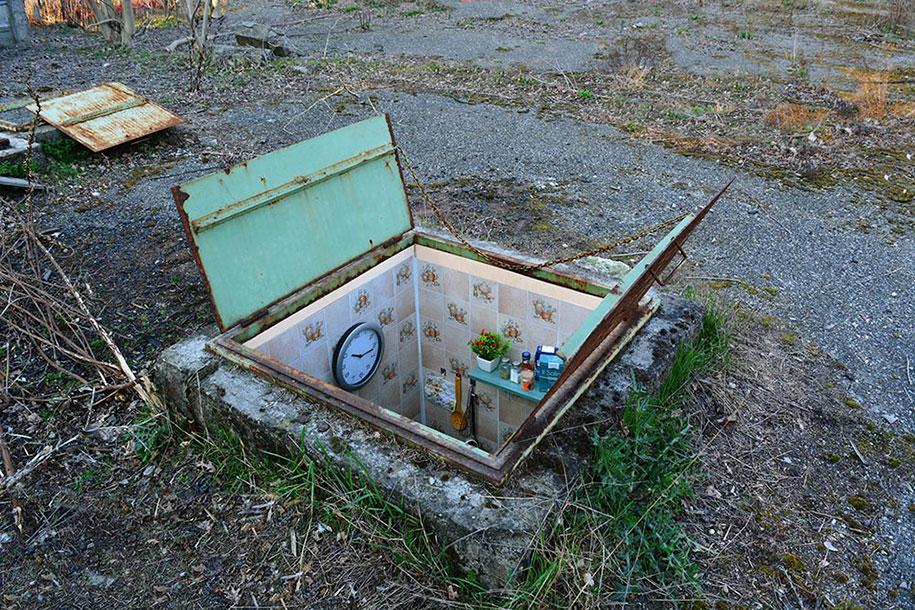 secret-rooms-manhole-borderlife-biancoshock-milan-italy-5
