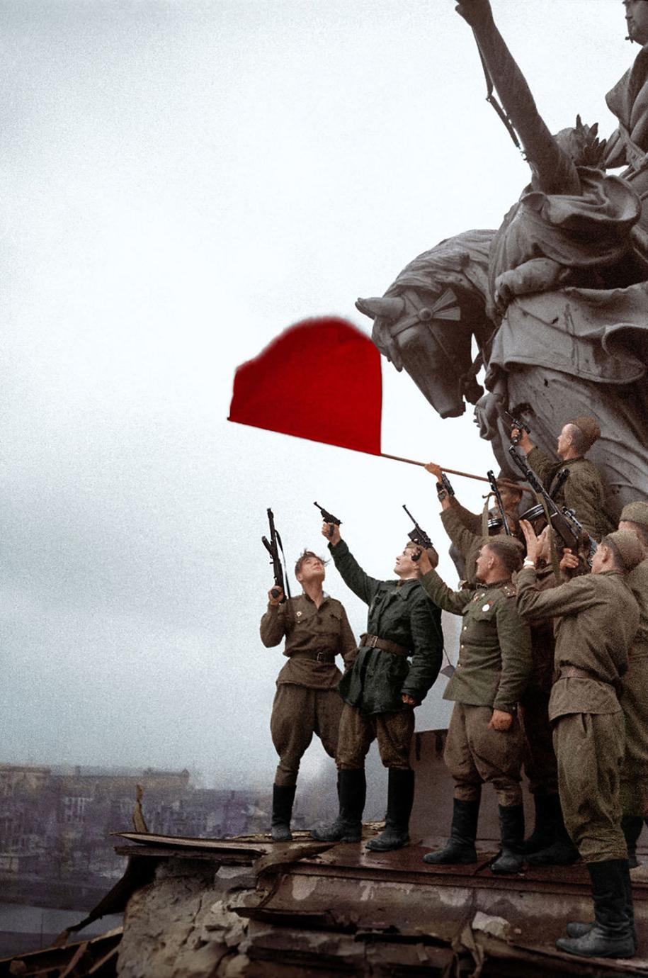 vintage-colorized-photos-soviet-russia-12