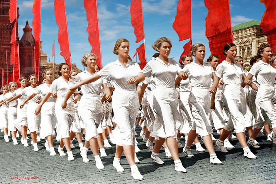vintage-colorized-photos-soviet-russia-16