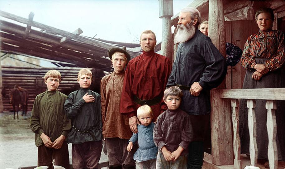 vintage-colorized-photos-soviet-russia-18