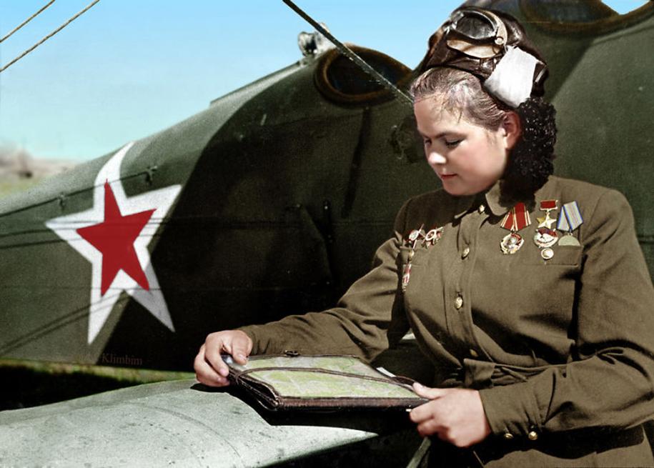 vintage-colorized-photos-soviet-russia-3