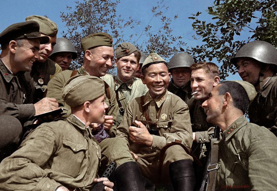 vintage-colorized-photos-soviet-russia-4