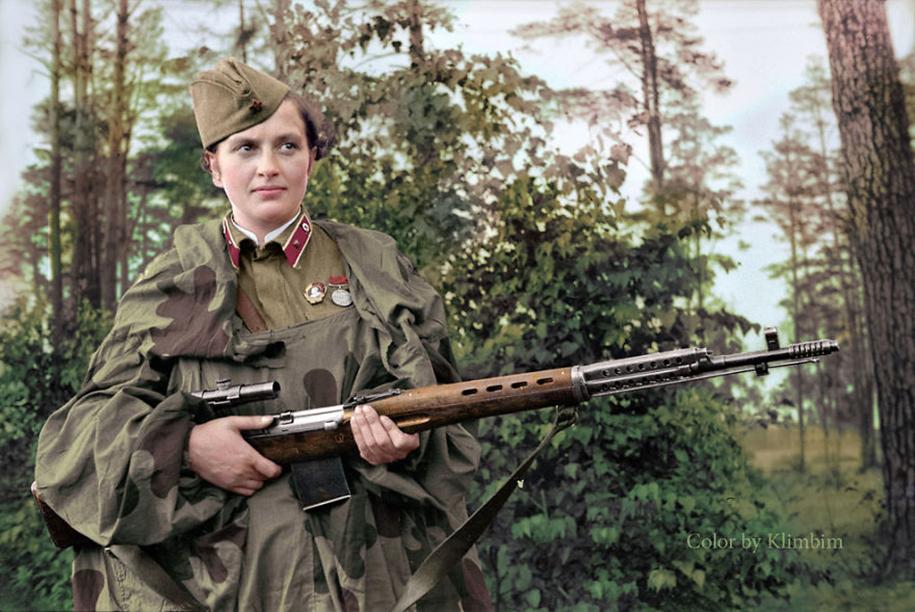 vintage-colorized-photos-soviet-russia-8