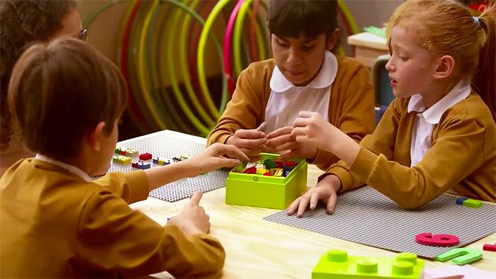 braille-bricks-help-blind-children-learn-literacy-13