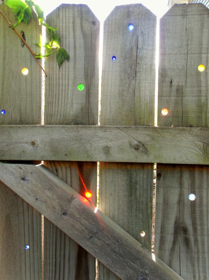 creative-diy-garden-fence-ideas-1