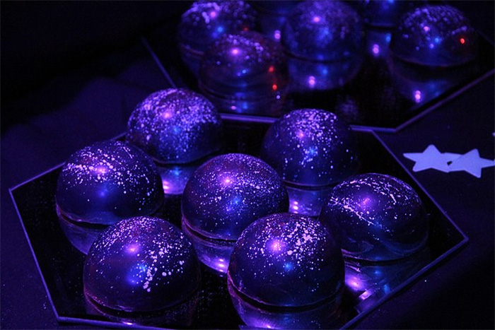 galaxy-cakes-space-sweets-cosmos-treats-7