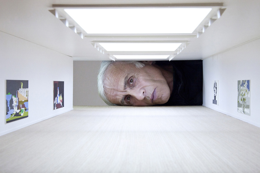 giant-heads-in-art-gallery-falsification-tezi-gabunia-8
