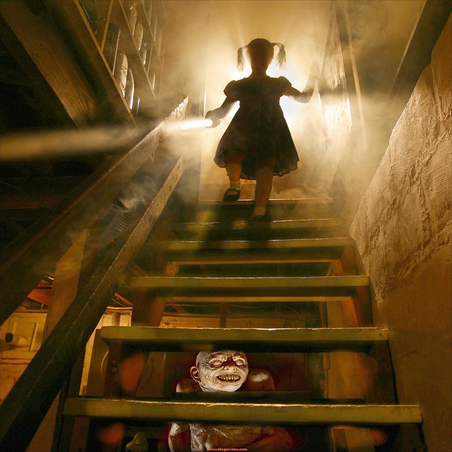 horror-family-photoshoot-creative-children-photography-joshua-hoffine-1