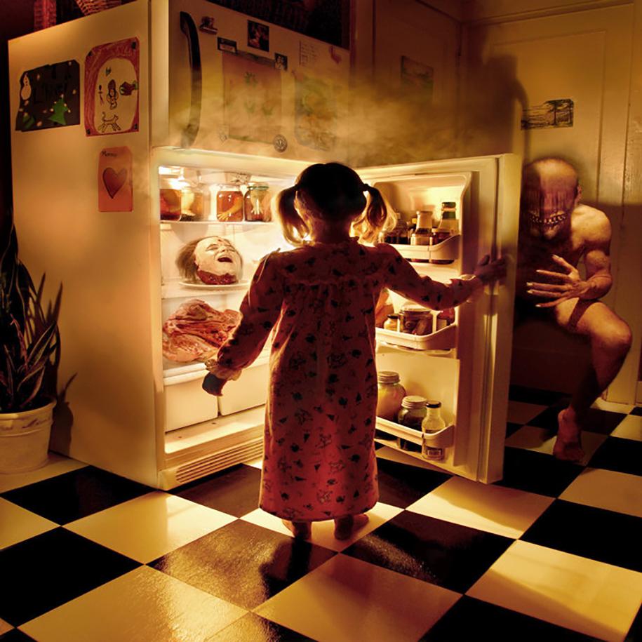 horror-family-photoshoot-creative-children-photography-joshua-hoffine-16