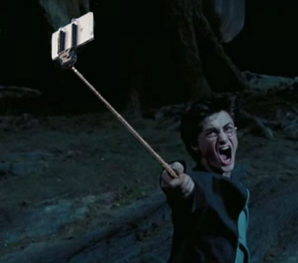 photoshopped-movies-guns-replaced-with-selfie-sticks-11
