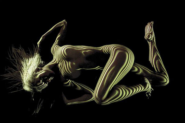 women-shadow-portraits-light-patterns-photography-dani-olivier-12