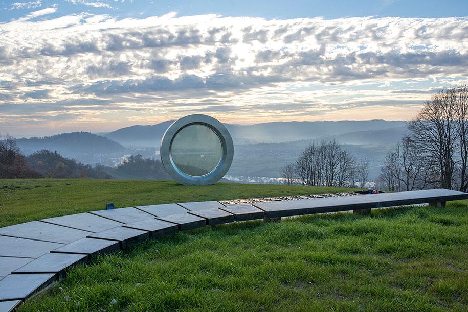 broken-lens-memorial-sculpture-fallen-photographer-gordan-lederer-nfo-8