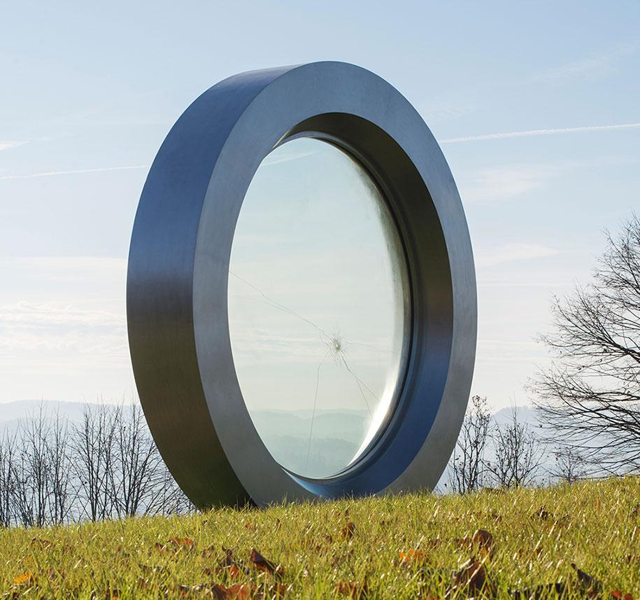 broken-lens-memorial-sculpture-fallen-photographer-gordan-lederer-nfo-9