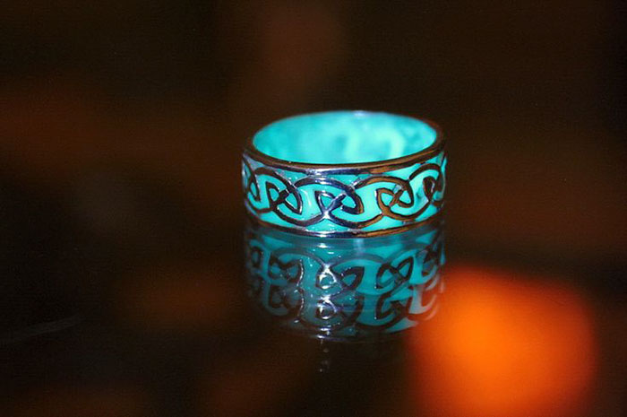 fantasy-jewelry-glow-in-the-dark-manon-richard-10