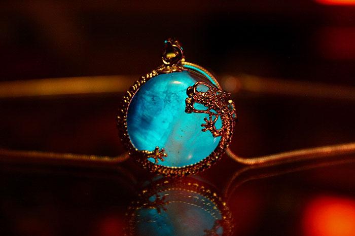 fantasy-jewelry-glow-in-the-dark-manon-richard-15