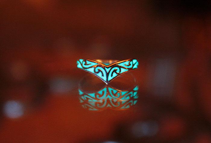 fantasy-jewelry-glow-in-the-dark-manon-richard-2
