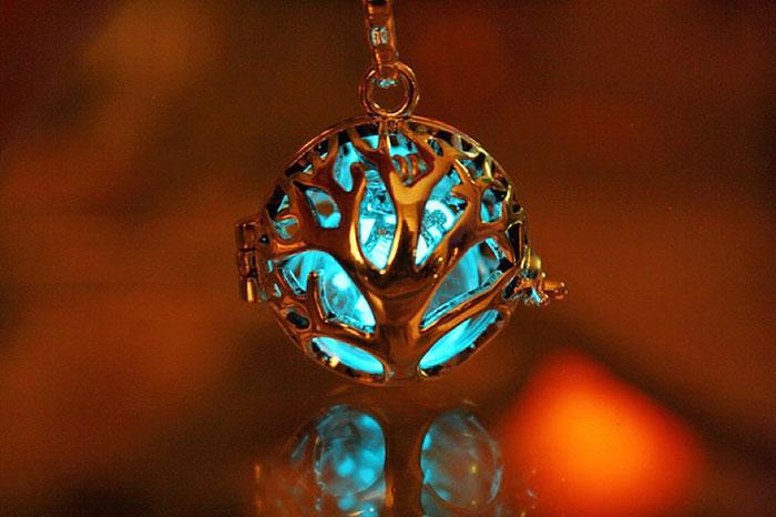 fantasy-jewelry-glow-in-the-dark-manon-richard-6