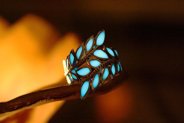fantasy-jewelry-glow-in-the-dark-manon-richard-8