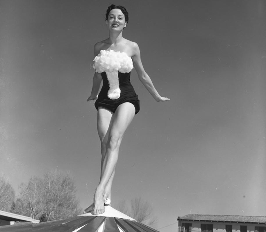nuclear-tourism-1950s-atomic-bomb-las-vegas-1
