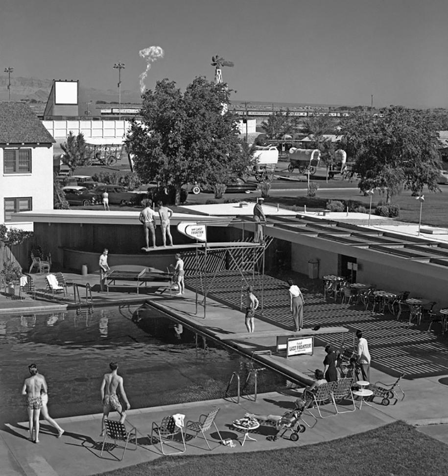 nuclear-tourism-1950s-atomic-bomb-las-vegas-11