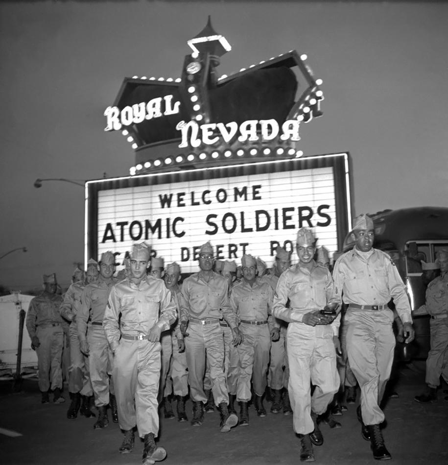 nuclear-tourism-1950s-atomic-bomb-las-vegas-17