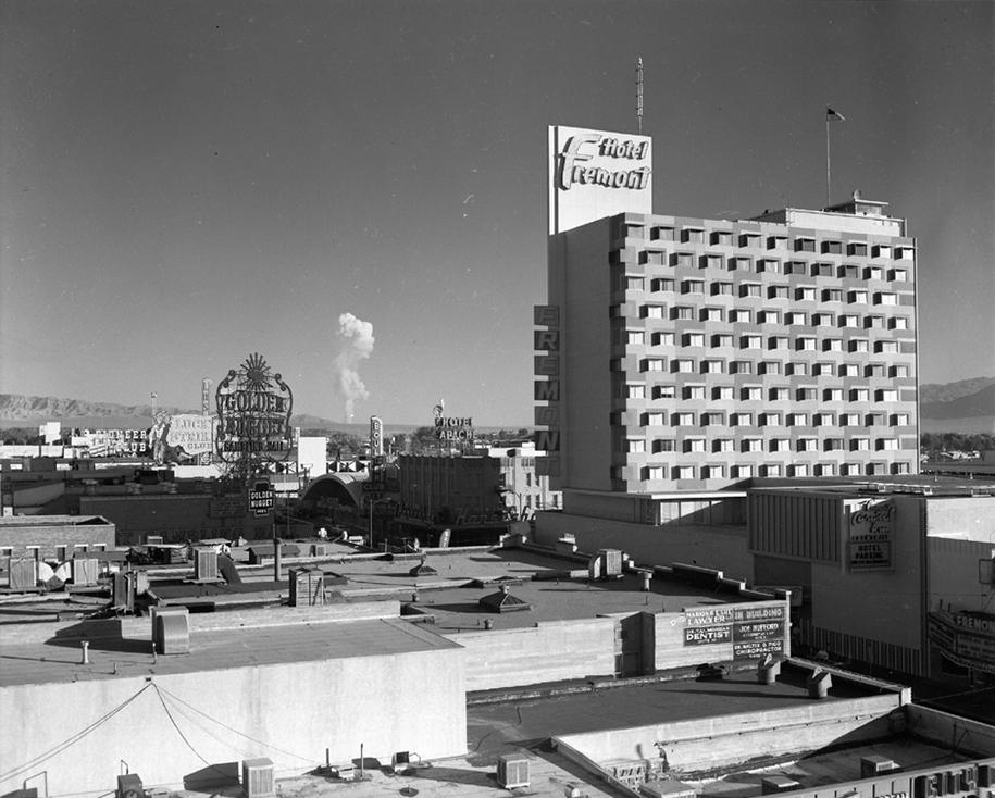 nuclear-tourism-1950s-atomic-bomb-las-vegas-4
