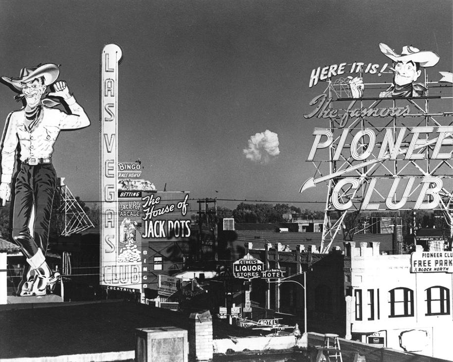 nuclear-tourism-1950s-atomic-bomb-las-vegas-5