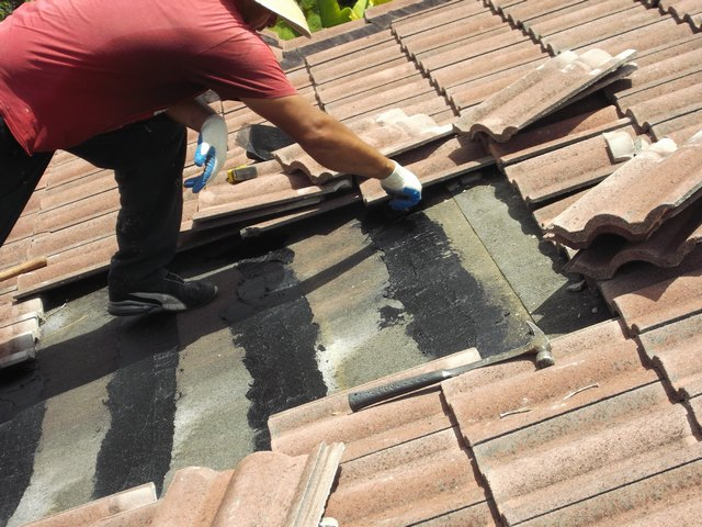 Roof leaks that are not settled rapidly can turn out to be unreasonable  chaotic heaps and even prompt wellbeing risks. Wherever there is a  territory of warm ...