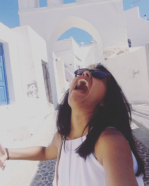 honeymoon-alone-funny-selfies-photography-huma-mobin-12