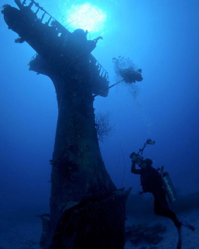 underwater-plane-graveyard-wwii-brandi-mueller-18