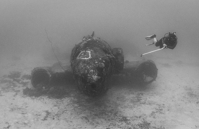 underwater-plane-graveyard-wwii-brandi-mueller-7