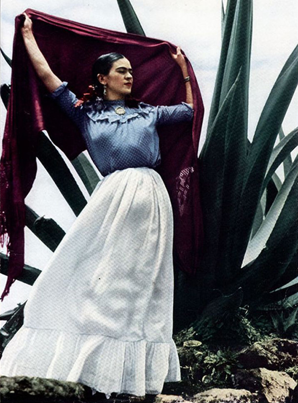 12 Color Photos Of Famous Frida Between The 1930s And 1950s