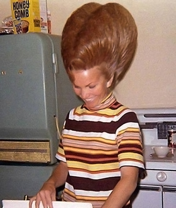 The bigger the better hairstyles of the 1960s vintage hairstyles big hair 1960s 12 urmus Image collections