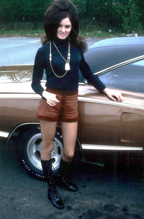 vintage-hairstyles-big-hair-1960s-14