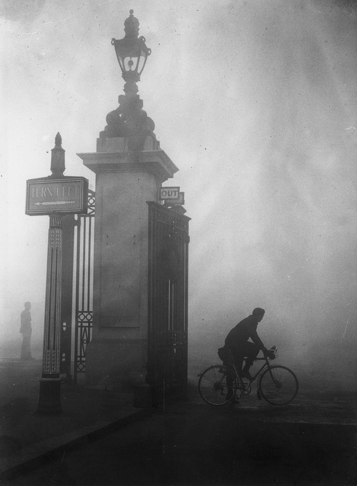 20th-century-london-fog-vintage-photography-11