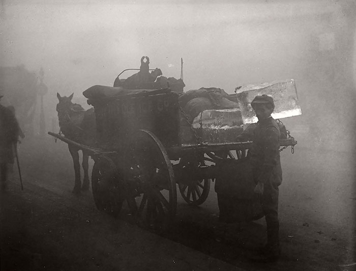 20th-century-london-fog-vintage-photography-14