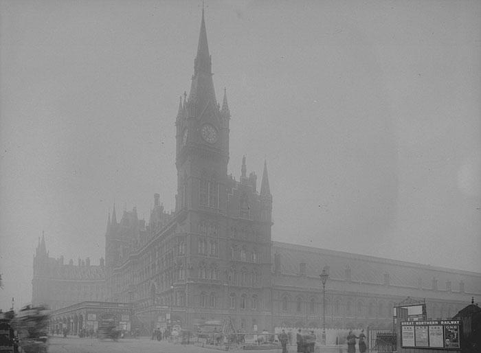 20th-century-london-fog-vintage-photography-15