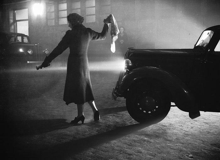 20th-century-london-fog-vintage-photography-16