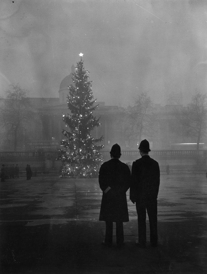 20th-century-london-fog-vintage-photography-9