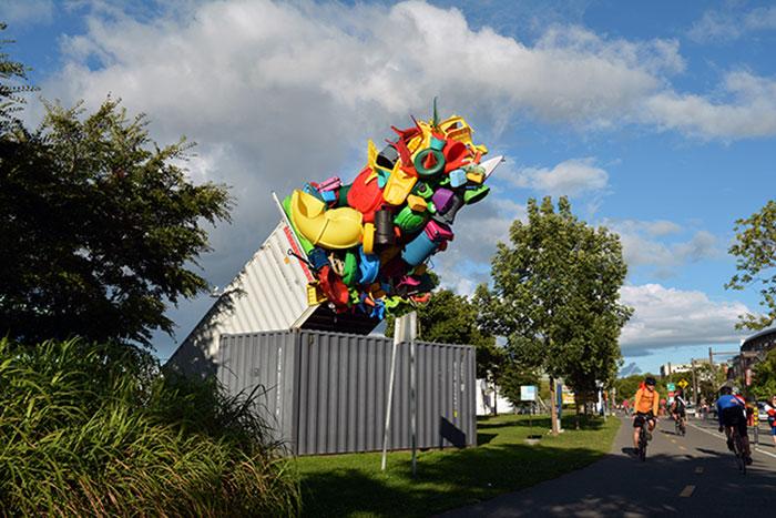 colorful-trash-sculptures-overconsumption-canada-jose-luis-torres-22