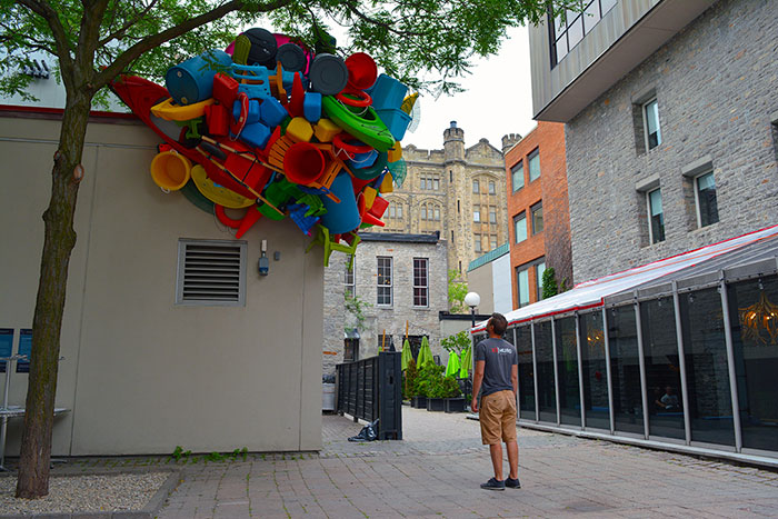 colorful-trash-sculptures-overconsumption-canada-jose-luis-torres-34