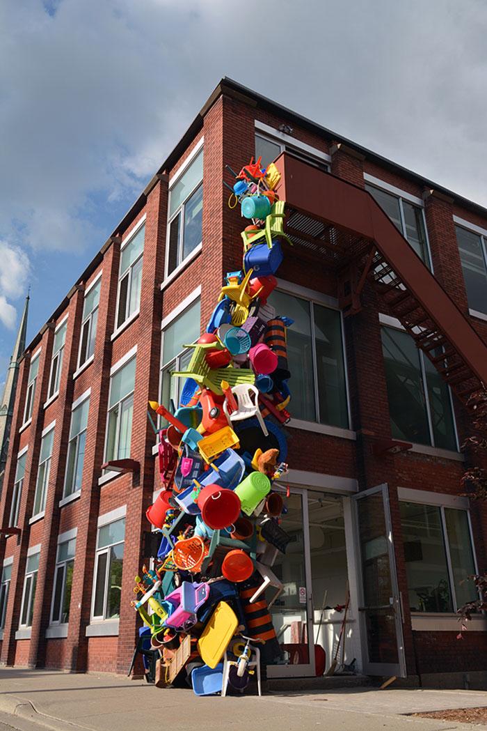 colorful-trash-sculptures-overconsumption-canada-jose-luis-torres-36