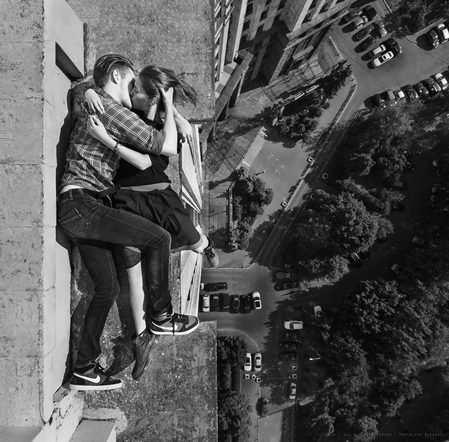 risky-dangerous-selfies-russia-angela-nikolau-30