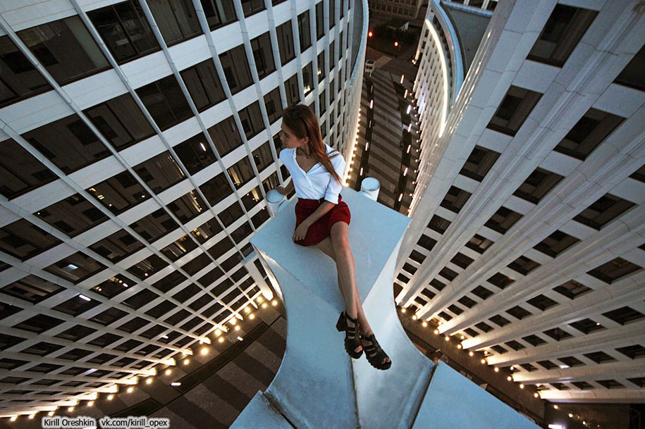 risky-dangerous-selfies-russia-angela-nikolau-59
